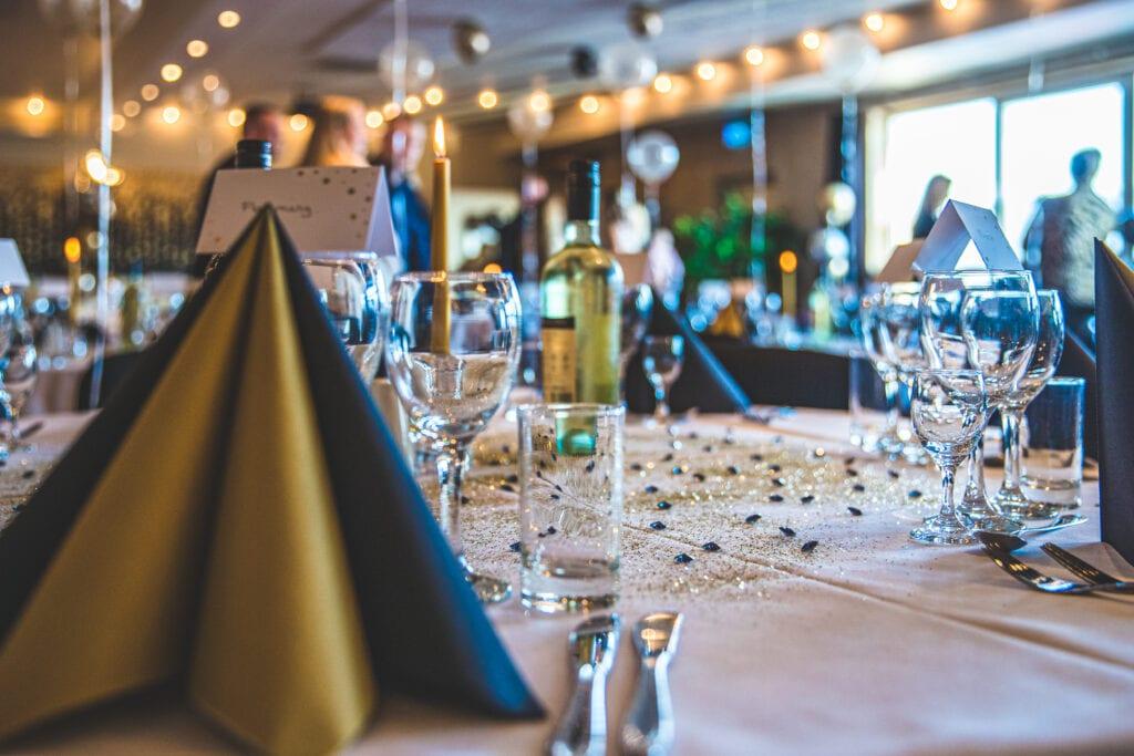Fin borddækning i Præstens Selskabslokaler