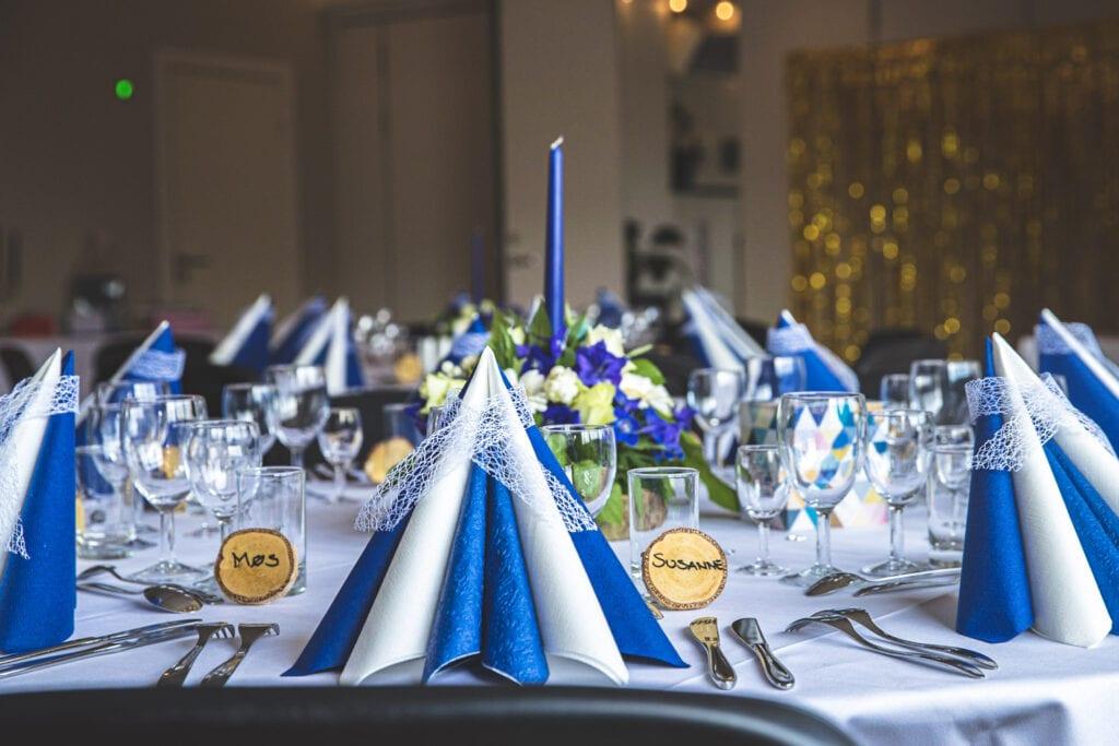 Elegant borddækning i Præstens Selskabslokaler